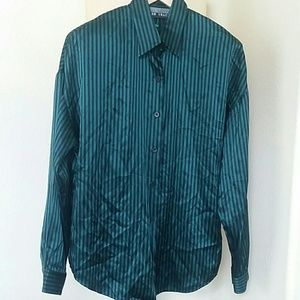 Ellen Tracy button down shirt in green and black